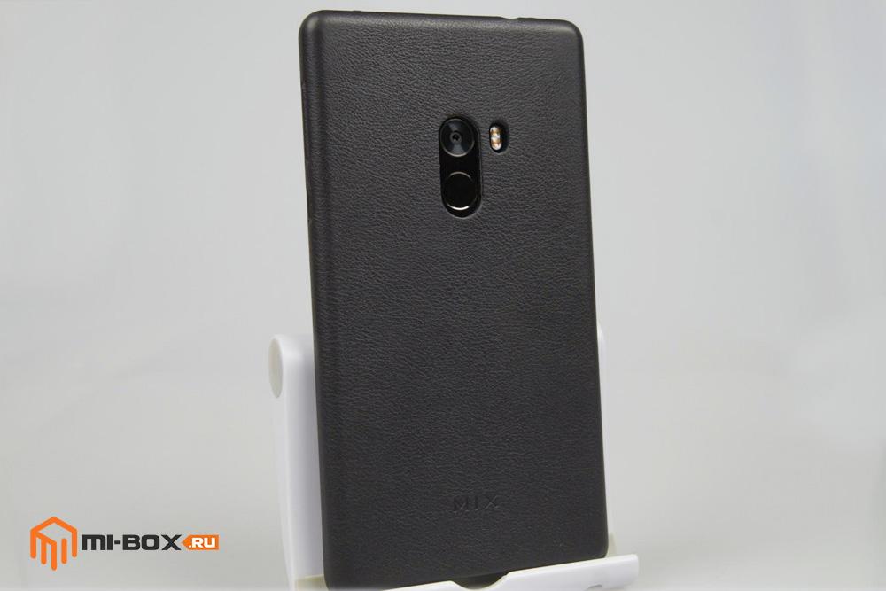Обзор Xiaomi Mi Mix - задняя сторона в чехле