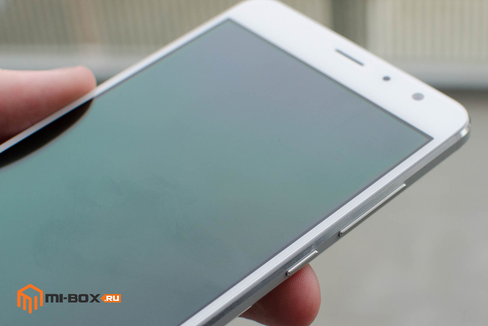 Обзор Xiaomi Redmi Pro - правая грань