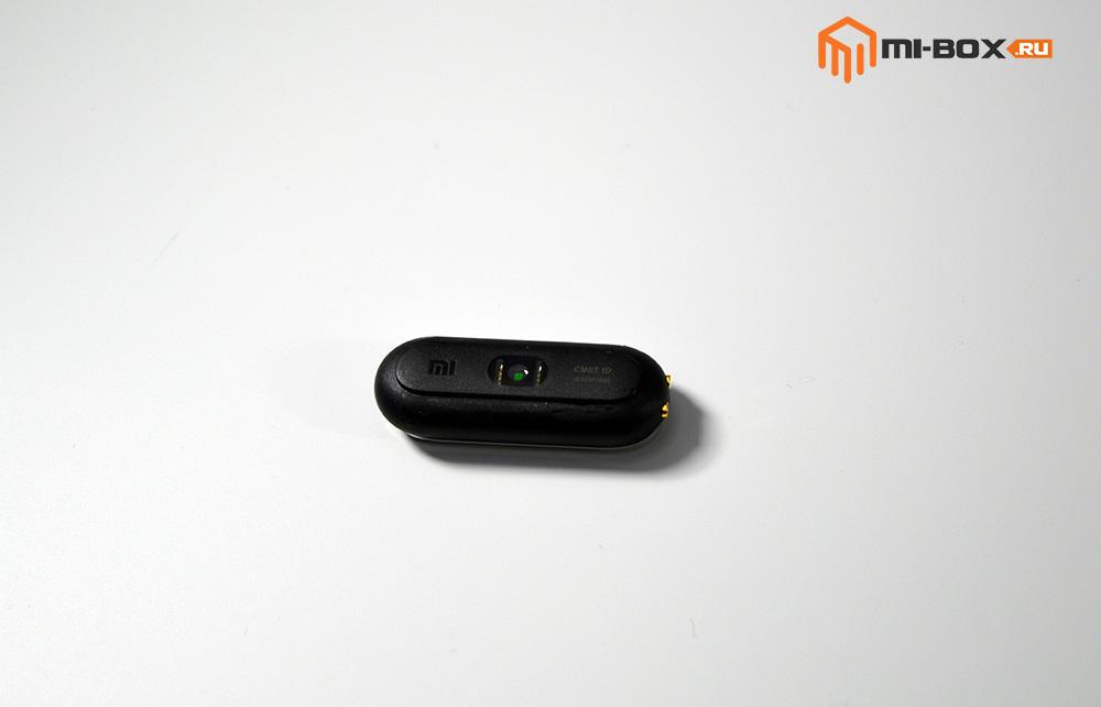 Обзор Xiaomi Mi Band 1S Pulse - задняя сторона
