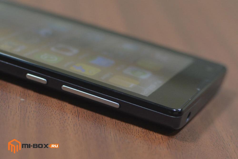 Обзор Xiaomi Redmi 1s - верхняя и правая грани