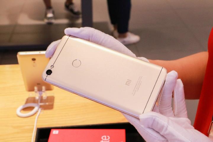 Сматрфон Xiaomi Redmi Note 5A Prime - задняя сторона