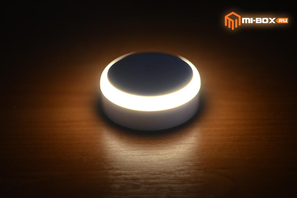 Светильник Xiaomi Night Light - пример свечения