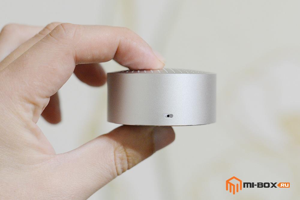 Обзор Xiaomi Mi Bluetooth Speaker Portable - встроенный микрофон