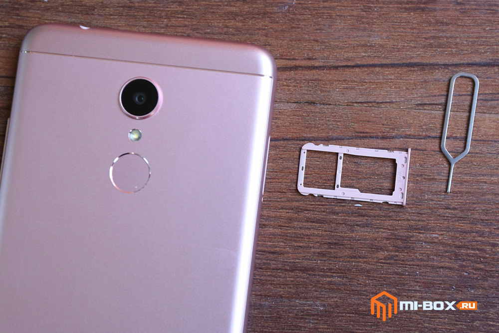 Обзор Xiaomi Redmi 5 - слот для сим-карт и карты памяти