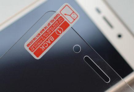 Как наклеить стекло на телефон Xiaomi?