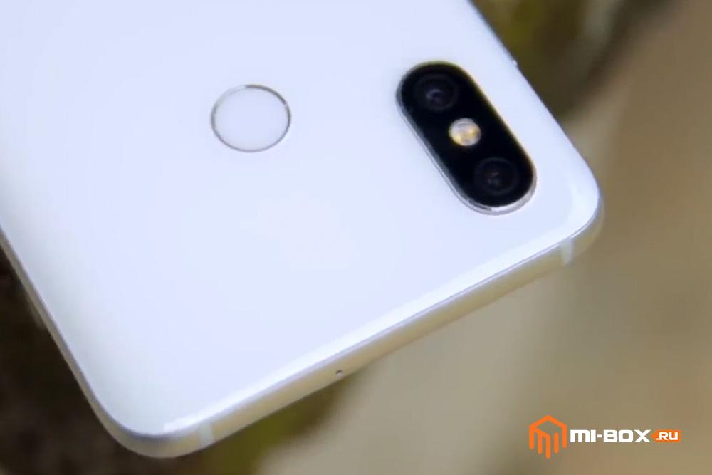 Обзор Xiaomi Mi 8 - верхняя грань