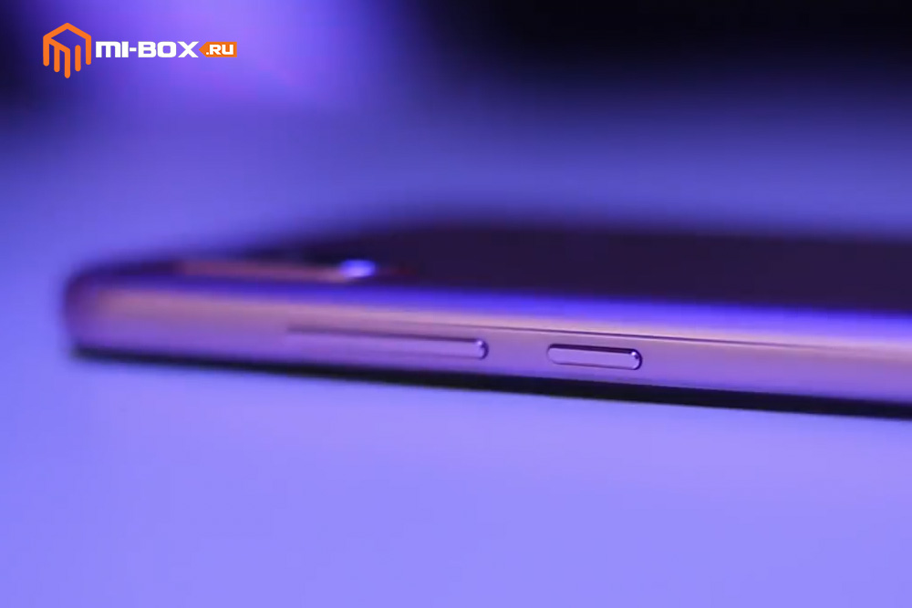 Обзор смартфона Xiaomi Redmi 6 PRO - правая грань
