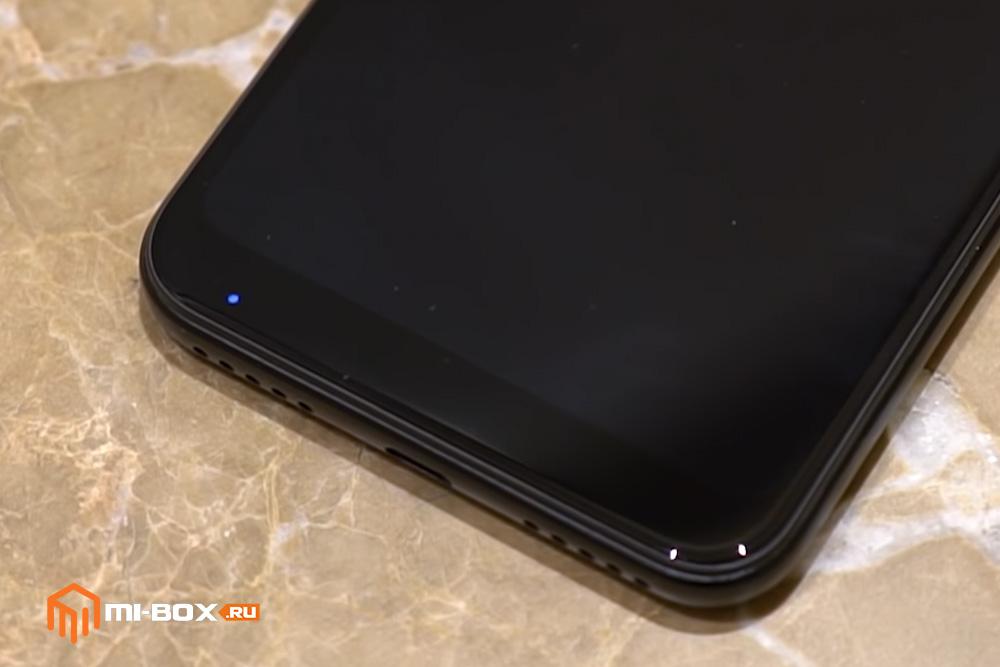 Обзор Xiaomi Mi A2 Lite - индикатор оповещений