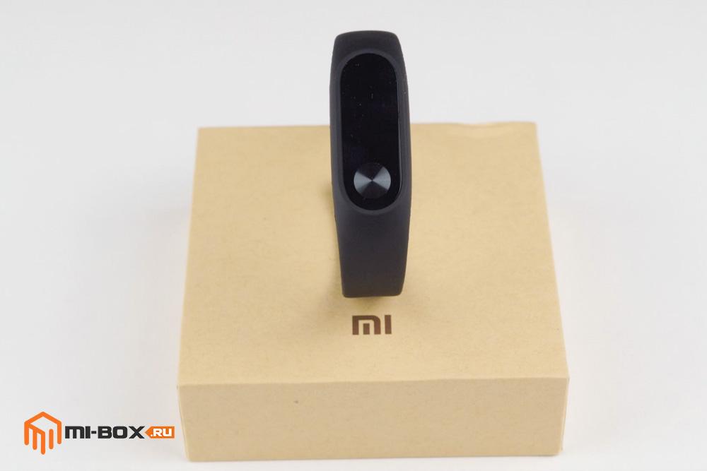 Обзор Xiaomi Mi Band 2 - упаковка
