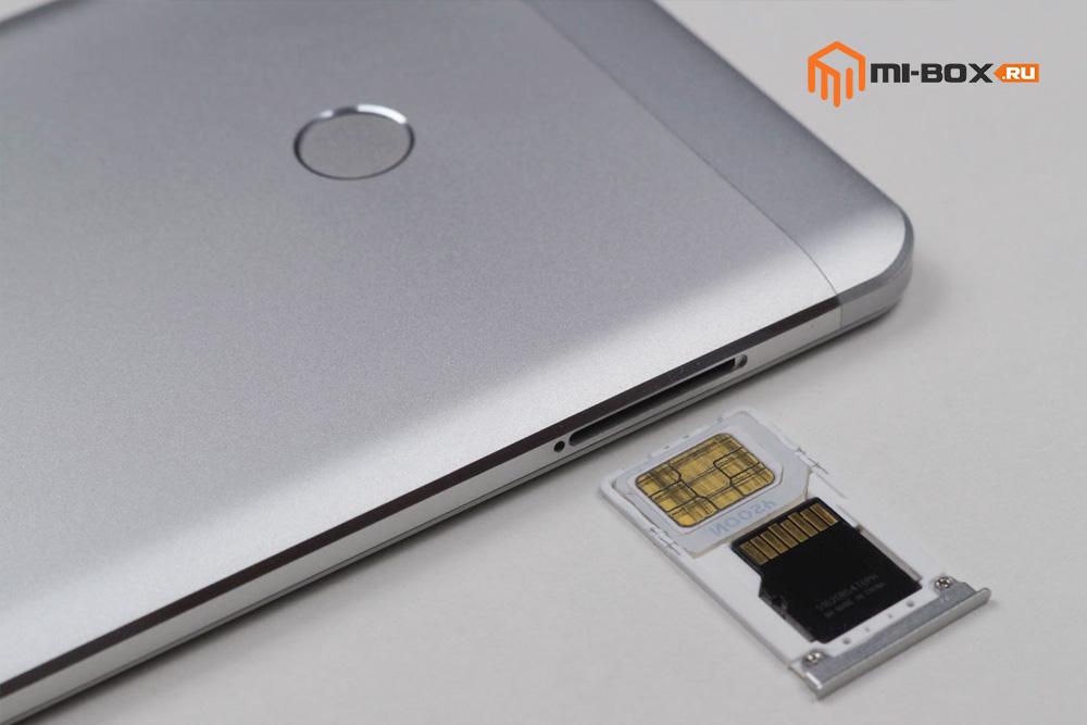 Обзор Xiaomi Mi Max - левая грань - слот под сим-карты и карту памяти