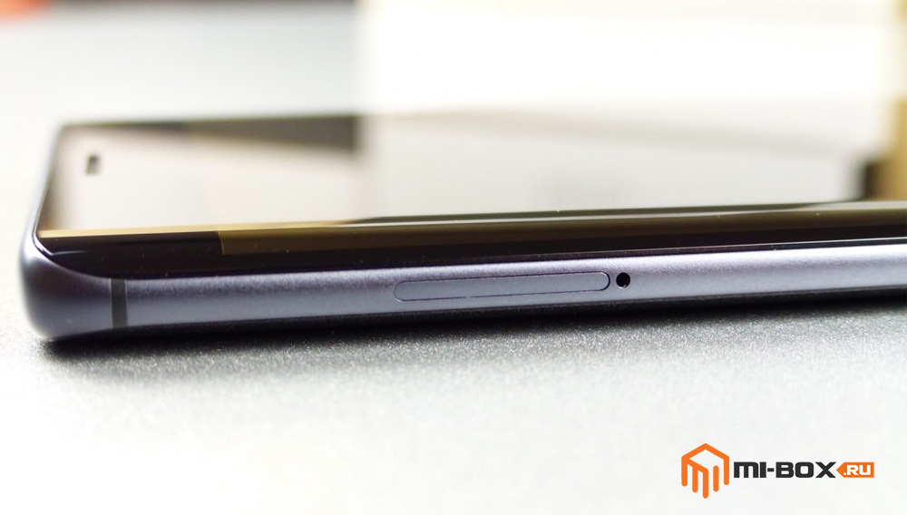 Обзор Xiaomi Mi Note 2 - левая грань и слот для сим-карт