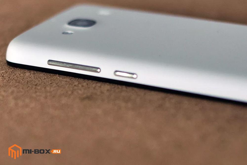 Обзор Xiaomi Redmi 2 - правая грань