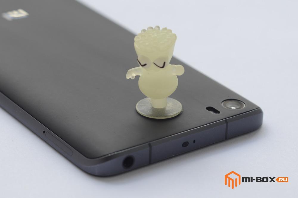 Как снять заднюю крышку на Xiaomi Mi5