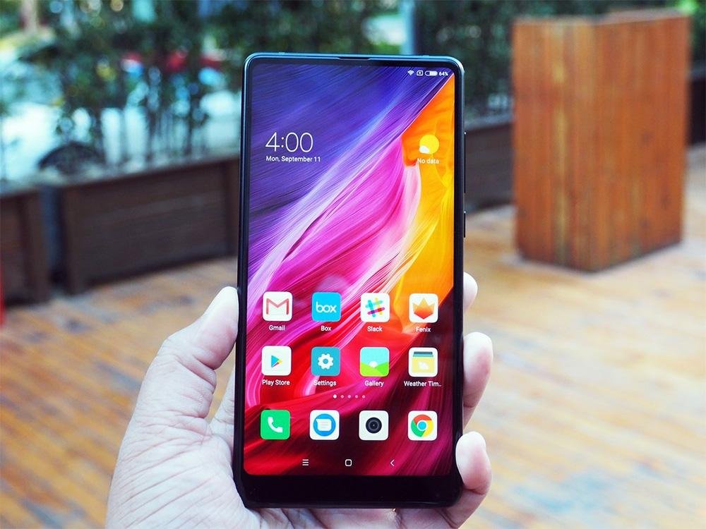 Смартфон Xiaomi Mi Mix 2 появился в России