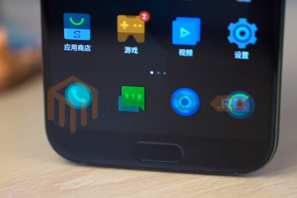 Смартфон Xiaomi Black Shark - сканер отпечатков пальцев