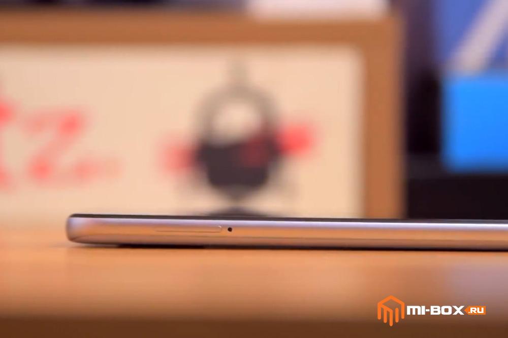Обзор Xiaomi Mi 8 - левая грань