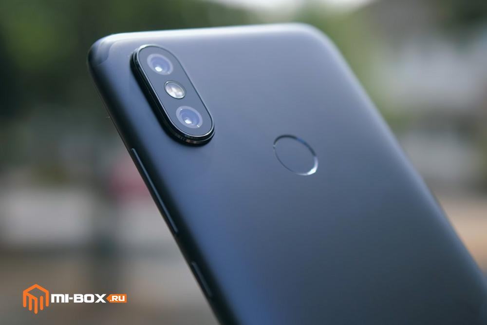 Обзор Xiaomi Mi A2 - правая грань