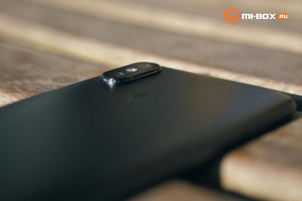 Обзор Xiaomi Mi A2 - выступающая за пределы корпуса камера