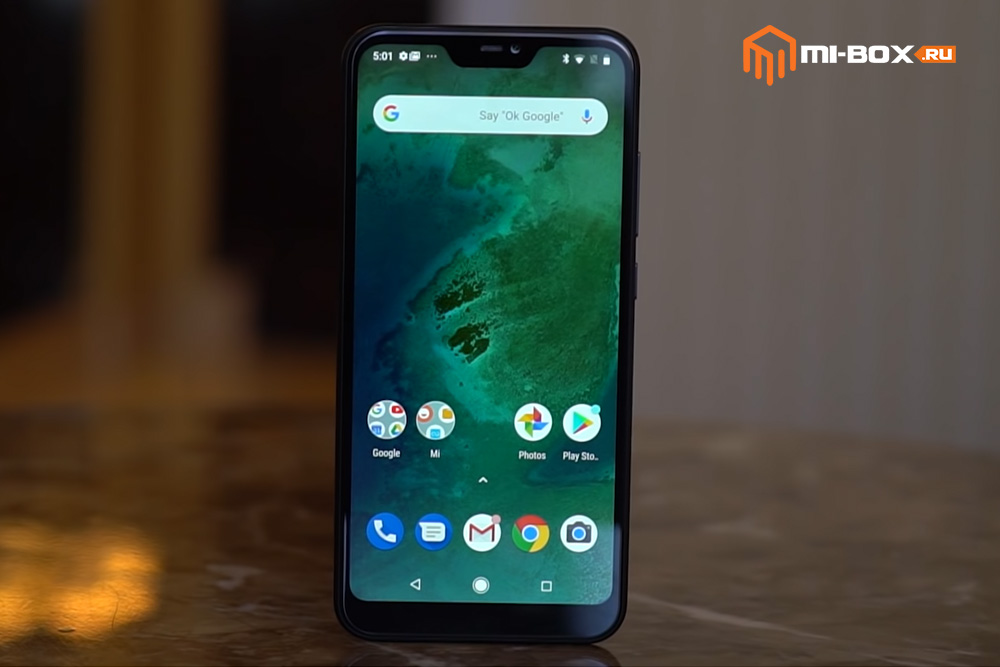 Обзор Xiaomi Mi A2 Lite - передняя сторона